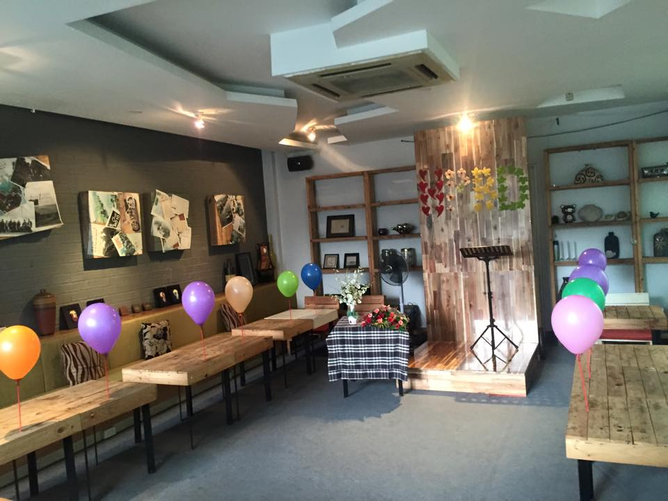 Wichita tráng trí góc sinh nhật tặng khách @@ - Wichita Tarot Cafe